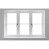 janela pvc branca